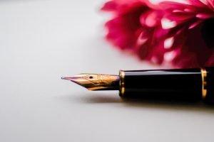a fountain pen ready to write
