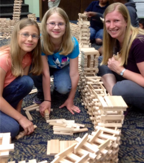 Building Nehemiah's Wall with blocks